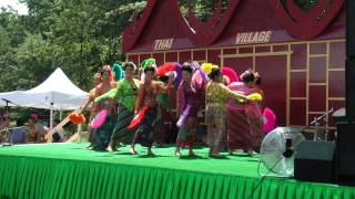Thai Village 2013 - Thai classical fan dance