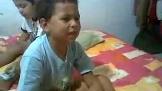 Niño con el Corazon Roto