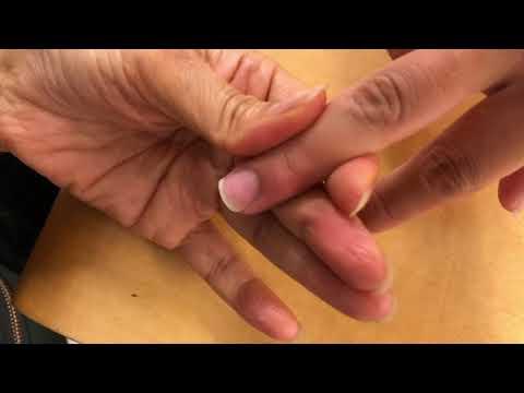 先広がりの爪をキレイな形に整える