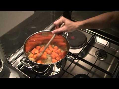 recette-de-la-soupe-velouté-carottes-gingembre-cannelle