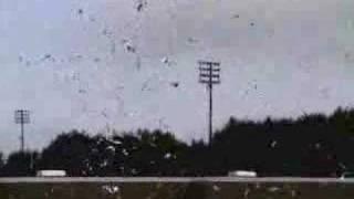 Huge Hydrogen & Oxygen Balloon Explosion