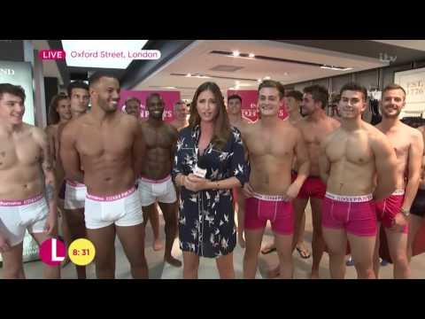 Lisa Snowdon Starts The Hot Pants Judging | Lorraine