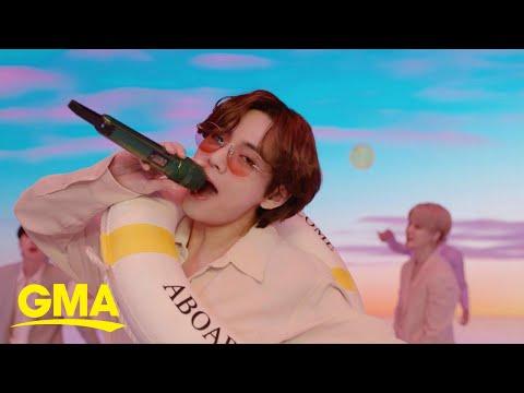 BTS performs 'Dynamite' l GMA