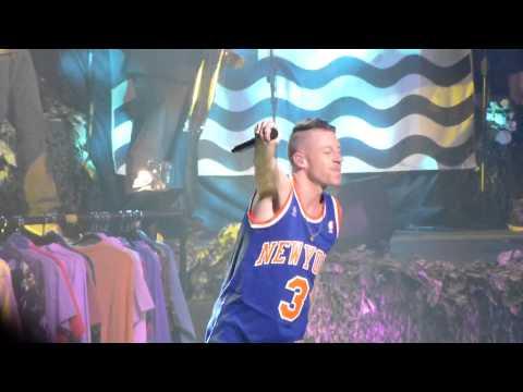 THRIFT SHOP: MACKLEMORE & RYAN LEWIS (LIVE) 11.13.13
