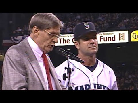 Selig names DH Award after Edgar Martinez in 2004