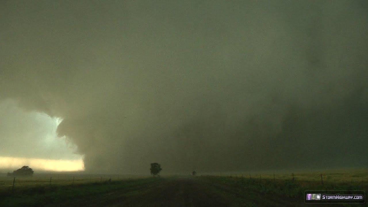 Largest Tornado In History  Ef5  Up Close - El-reno  Ok - May 31  2013