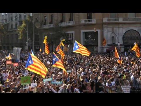 Unas 450.000 personas exigen declarar independencia de Cataluña