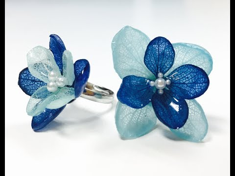 Wearable Floral Jewelry by Resin Artist Samantha Wang from Odoroki Studio