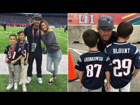 Mark Wahlberg Leaves Super Bowl After Halftime To Care For Sick Son