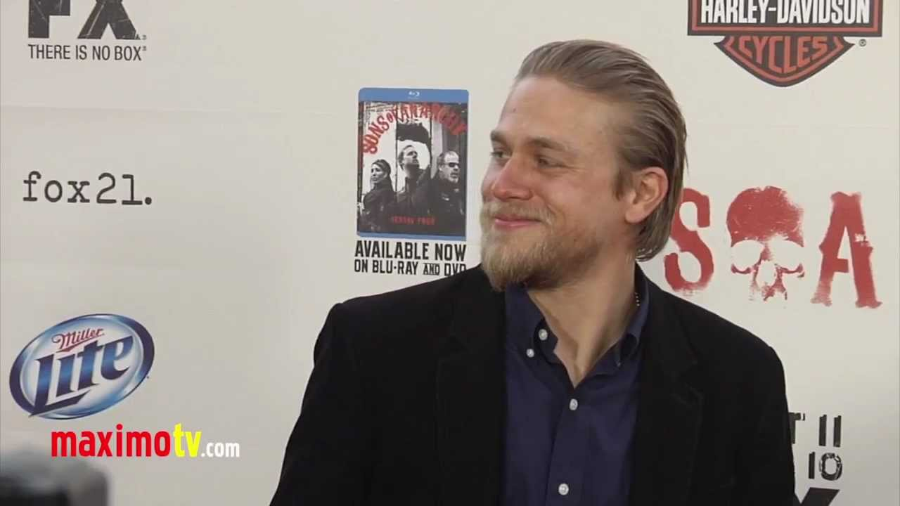 Charlie Hunnam SONS OF ANARCHY Season Five Premiere ...