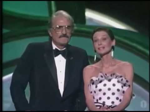 Gregory Peck & Audrey Hepburn in 1988 Oscar Award Ceremony