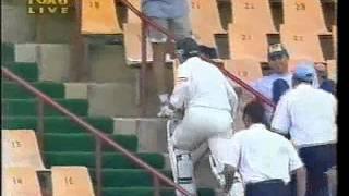 Ian Healy suspended - throws bat, BULLSHIT UMPIRING. Virat Kohli is right!