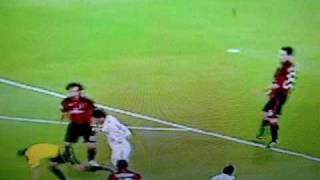 Mesut Özil foult Schiedsrichter Pedro Proenca