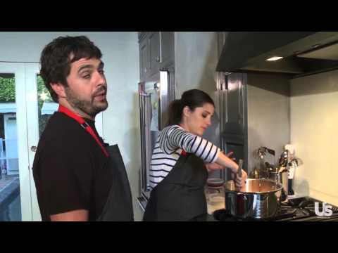 Shiri Appleby s Us How to Make Sloppy Joes With Fiance, Chef Jon Shook