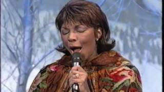 Watch Natalie Cole Jingle Bells video