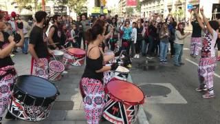 Испанские барабанщики на Барселонском Марафоне. Barcelona Marathon.