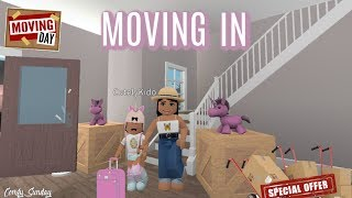 Moving Into Bloxburg!! II Roblox Bloxburg