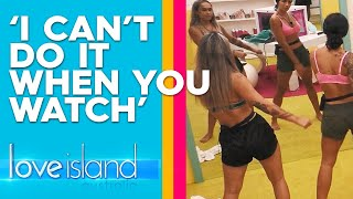 Exclusive: The girls learn how to 'floss' | Love Island Australia 2019