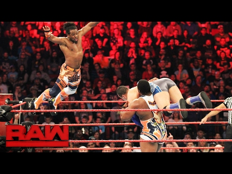 The New Day vs. The Shining Stars: Raw, Feb. 6, 2017