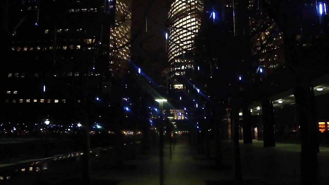 teardrop holiday lights new york city harbor - Teardrop Christmas Lights