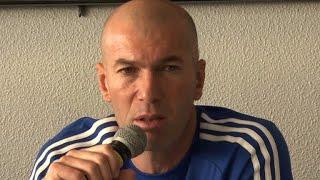 Zidane rejoue avec les vainqueurs de la Coupe du monde 98
