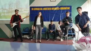 Nastup učenice Ajle Kikić i pratećeg benda / Dan škole Gimnazije Mustafa Novalić Gradačac