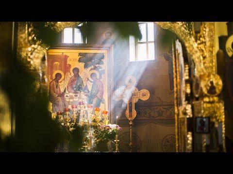 Литургия в Троицком соборе Зилантова монастыря в праздник Троицы