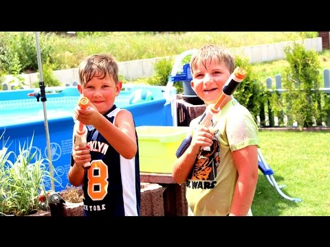 justin luca wasserschlacht im garten kinder spielen kanal f r kinder youtube. Black Bedroom Furniture Sets. Home Design Ideas