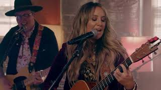 Lainey Wilson Pipe Live Full Band Performance - مهرجانات