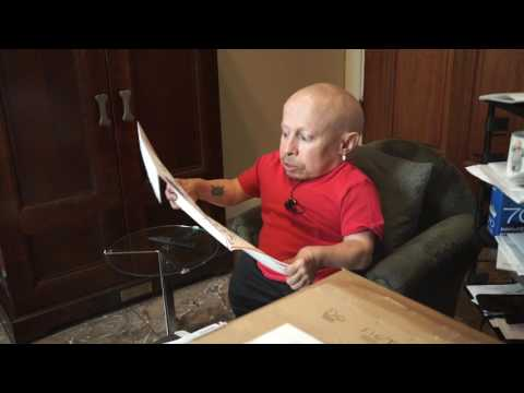 Boob Painting? I Was in Playboy Magazine? | MailTime #15 Unboxing with Verne Troyer