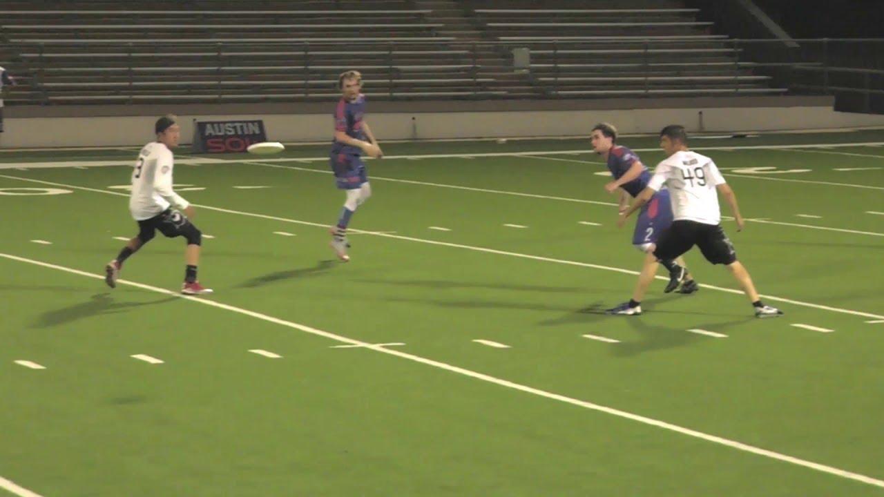 Incredible Ultimate Disc League Throw || ViralHog