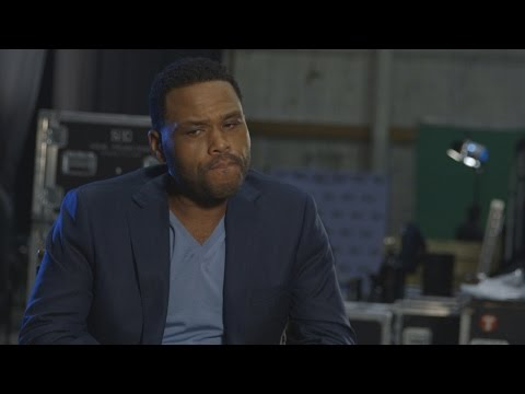 Watch Anthony Anderson Ace Our Animal Trivia Quiz!