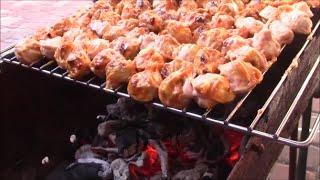 ПЕЛЬМЕНИ НА МАНГАЛЕ(Пельмени на мангале - это очень простое и вкусное блюдо которое сможет приготовить каждый., 2015-07-05T10:19:06.000Z)