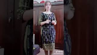 Download Video Beautiful hot girl big  Songs Pranks videos in Pakistan tik tok 2019 MP3 3GP MP4