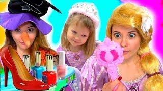 Дівчина Настя Прикинься Грати Одягаються І Діти Макіяж Іграшки