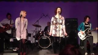 Gambar cover One Note Samba - Maria Mackay and Caralyn Bowers