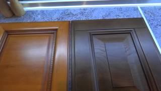 видео Итальянские кухонные фасады из массива дерева