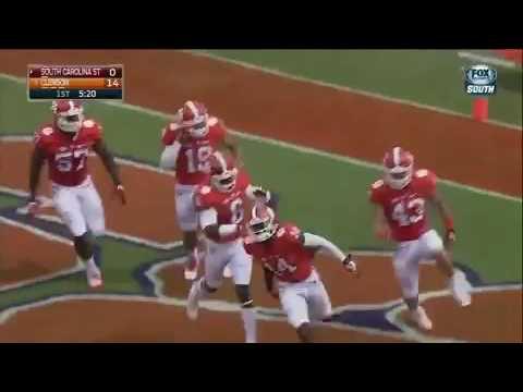 South Carolina State player flip the return kick give Clemson a TD 09/17/16