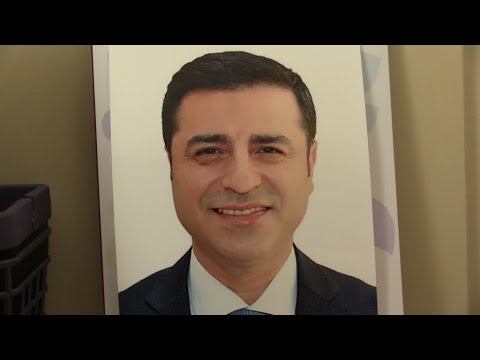صلاح الدين دميرتاش.. سجين في حملة انتخابية!!  - نشر قبل 32 دقيقة