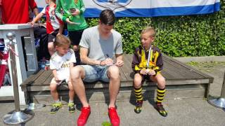 Dimiani en Santi Vianello met Feyenoord profvoetballer Michiel Kramer