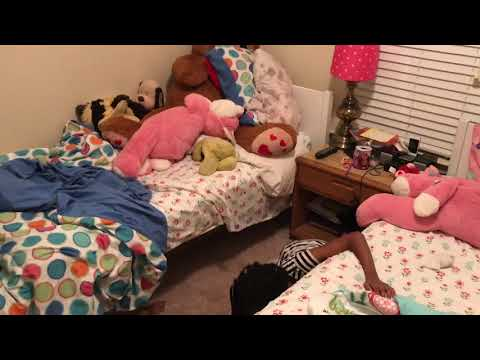Dad catches daughters not cleaning by hiding clothes under the bed