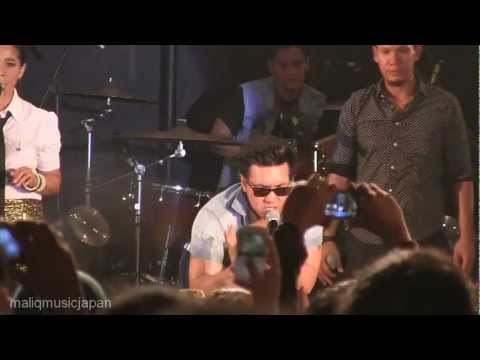 Maliq & D'essentials ft. David (Naif) - Dia~Untitled~Menari~Mobil Balap @ Launching Sriwedari [HD]