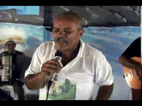 Alcides Dias em Juquitiba soltando a voz