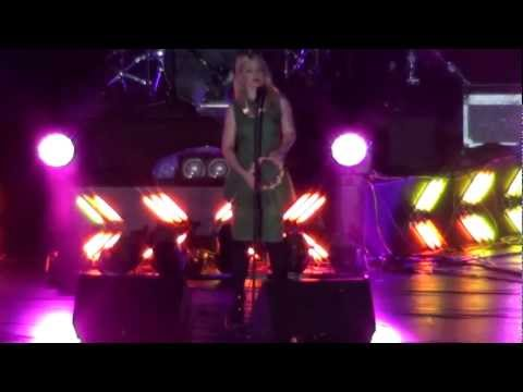 [MTV EXIT Fancam] KATE MILLER-HEIDKE - Caught In The Crowd & Can't Shake It