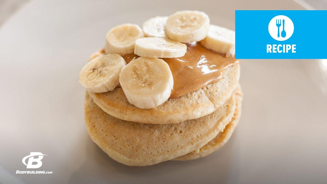 Peanut Butter Protein Pancakes | Lais DeLeon