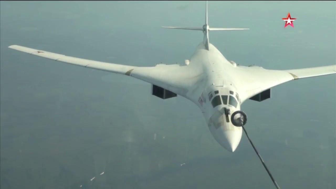 Сложнейшая дозаправка «ядерного лебедя» Ту-160