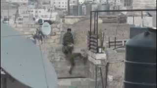 Fail: an Israeli soldier can't climb a wall