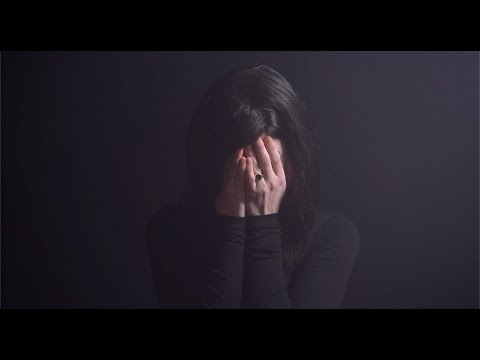 Roxanne de Bastion - Heavy Lifting (official music video)