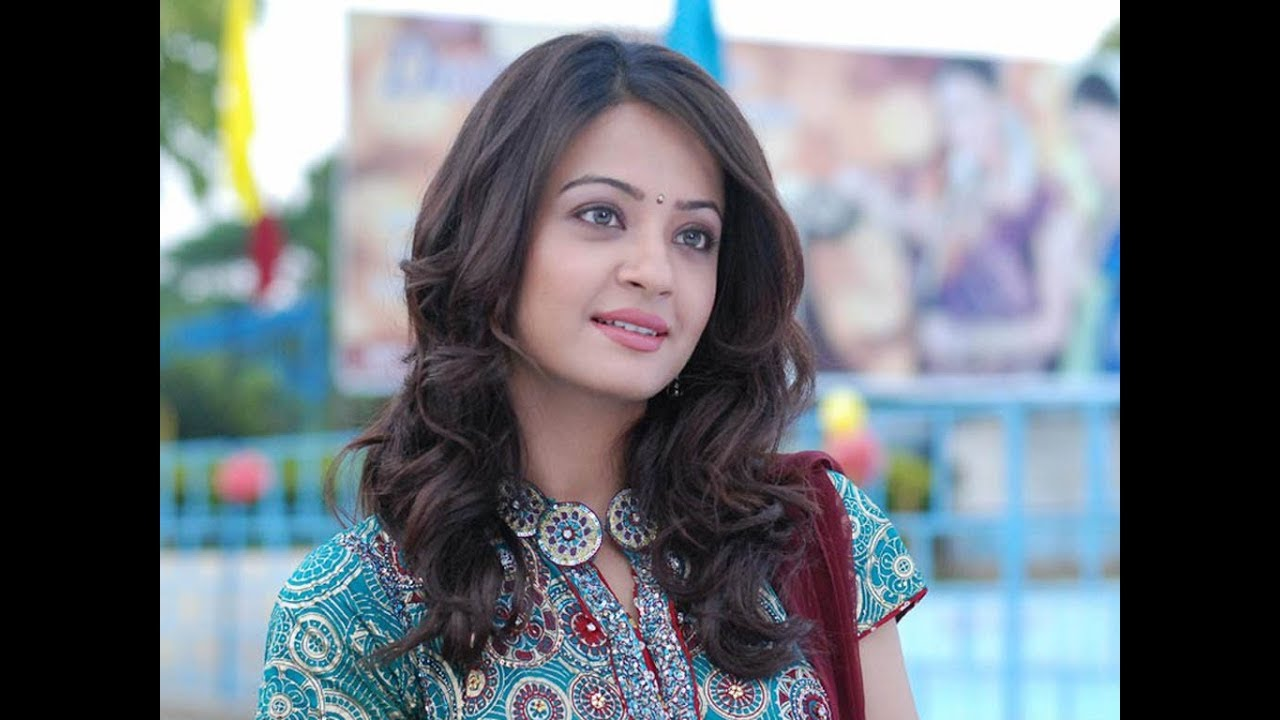 Surveen Chawla nude photos 2019