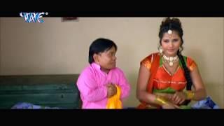Download Hindi Video Songs - तनी छुवे दs बड़ी मुलायम बा  - Bhojpuri Hot Comedy Sence - Saiya Ke Sath Madhaiya Me HD